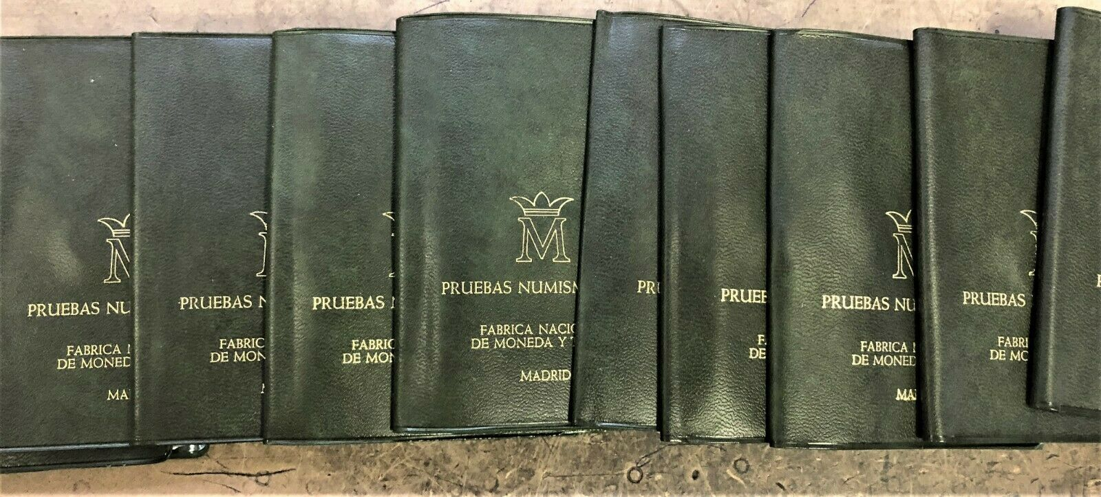WHOLESALE - 20 SPAIN FOLIOS & INFO with 1 5 & 25 PESETAS UNC COINS DATED 1975